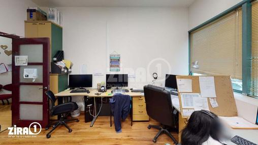 משרד בבניין בית ארפל   קומה 2   שטח 200מ״ר    תמונה #12 - 1