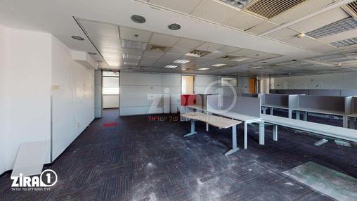 משרד בבניין הלויל סלע 2000 | קומה 3 | שטח 881מ״ר  | תמונה #10 - 1