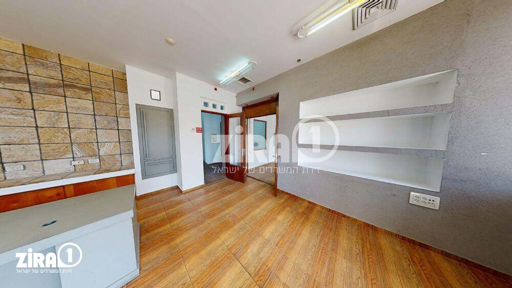 משרד בבניין מרכזים 2000 | קומה 3 | שטח 80מ״ר  | תמונה #0 - 1