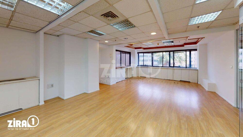משרד בבניין מרכזים 2000 | קומה 3 | שטח 456מ״ר  | תמונה #0 - 1