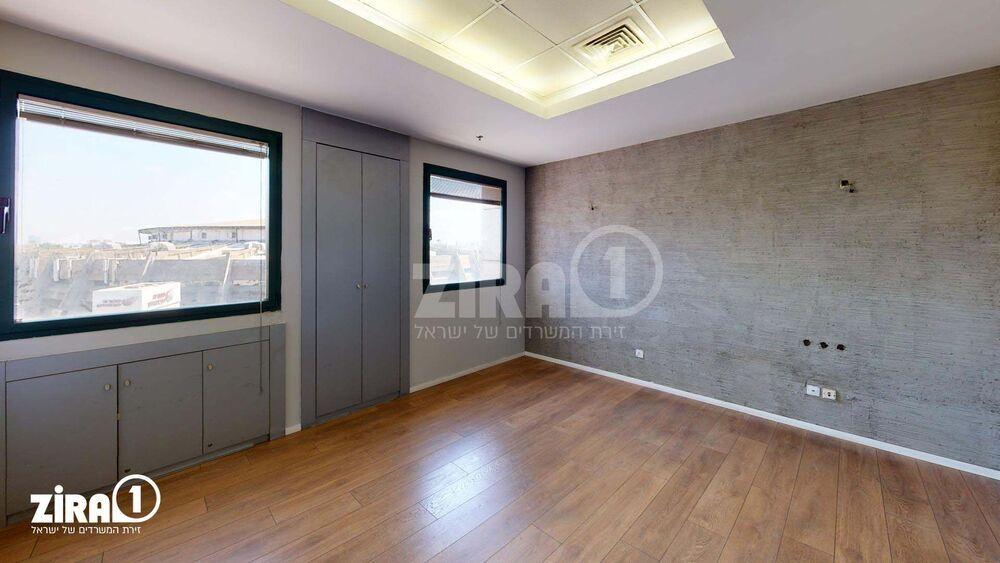 משרד בבניין הלויל סלע 2000   קומה 5   שטח 339מ״ר    תמונה #0 - 1