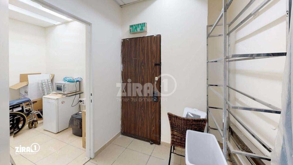 משרד בבניין בניין מרב   קומה: 1   שטח 1550 תמונה   מ׳׳ר #12 - 1