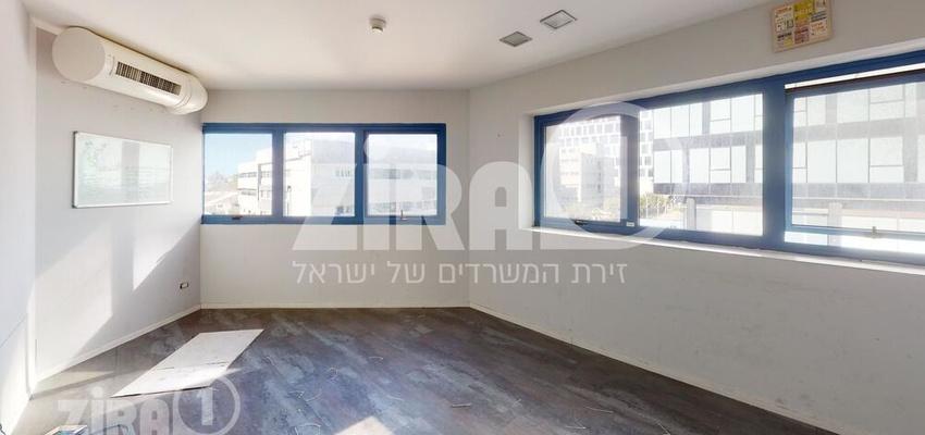 משרד בבניין בית לומיר   קומה 1   שטח 133מ״ר    תמונה #0 - 1