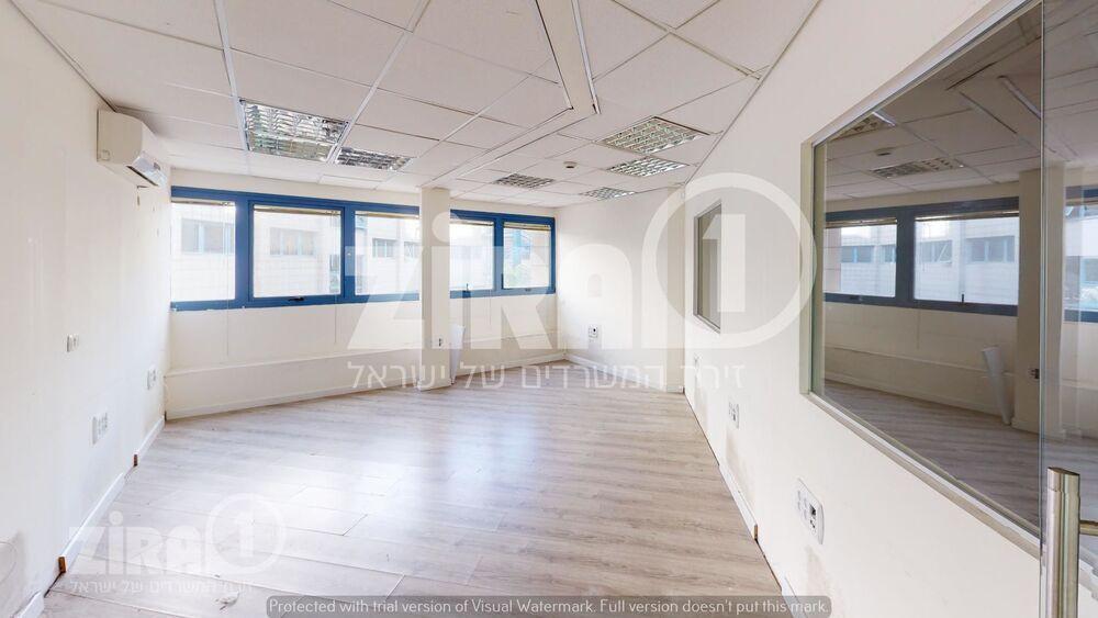 משרד בבניין בית לומיר   קומה 1   שטח 140מ״ר    תמונה #0 - 1