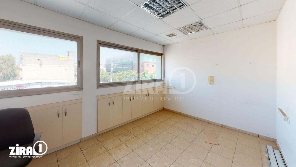 משרד בבניין בית צוק | קומה 2 | שטח 101מ״ר  | תמונה #0 - 1