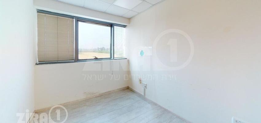 משרד בבניין בניין קדמת הייטק   קומה 2   שטח 327מ״ר    תמונה #0 - 1