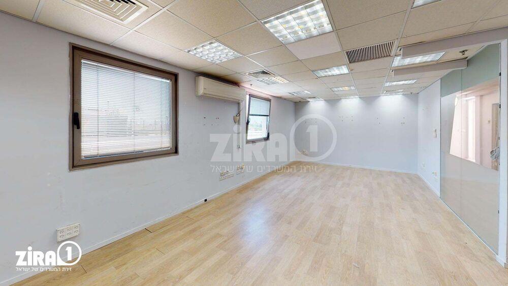 משרד בבניין בית זמיר | קומה: 6 | שטח 141 תמונה | מ׳׳ר #6 - 1