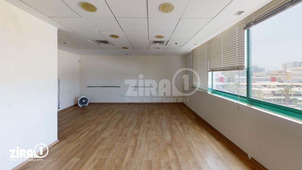 משרד בבניין בית שומרה   קומה 4   שטח 300מ״ר    תמונה #0 - 1