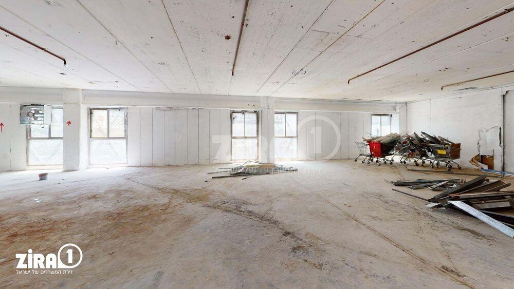 משרד בבניין שדרות ההסתדרות 251   קומה 2   שטח 1050מ״ר    תמונה #0 - 1