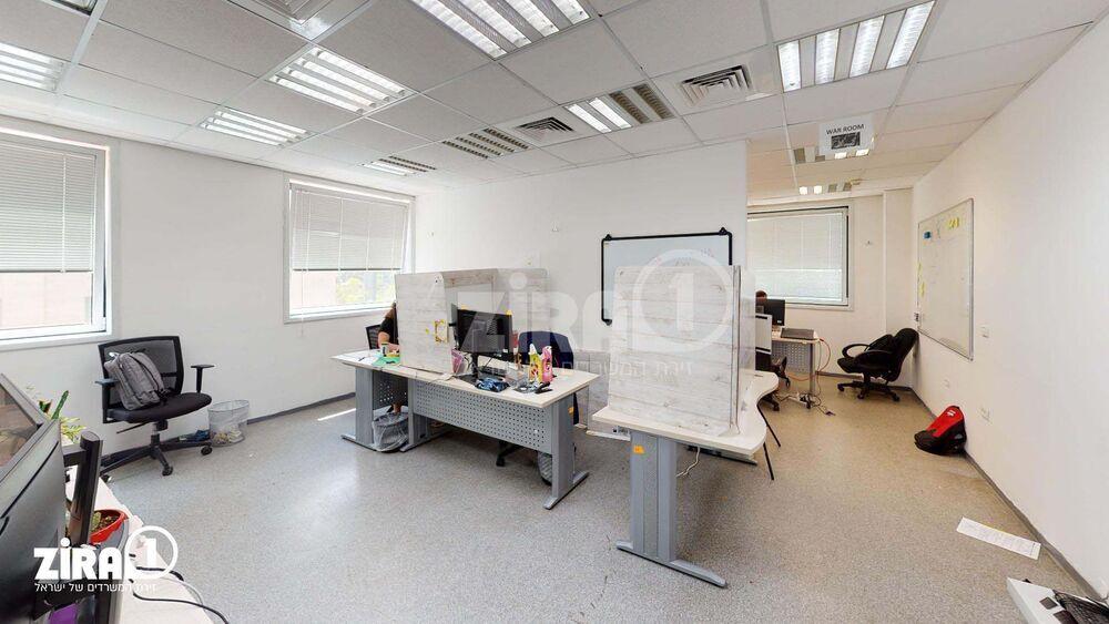 משרד בבניין הברזל 25 | קומה 1 | שטח 1000מ״ר  | תמונה #0 - 1