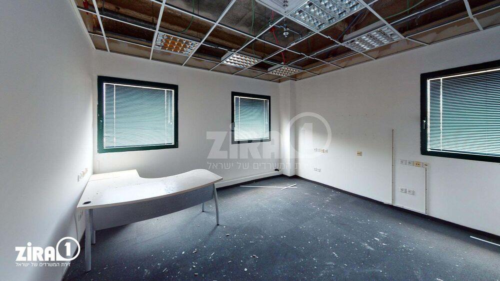 משרד בבניין בזל 25 | קומה 4 | שטח 1270מ״ר  | תמונה #0 - 1