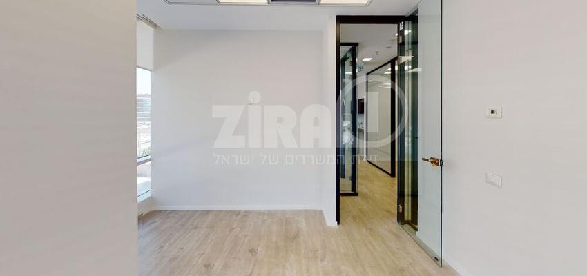 משרד בבניין מרכז עזריאלי חולון - בניין B   קומה 1   שטח nullמ״ר    תמונה #0 - 1