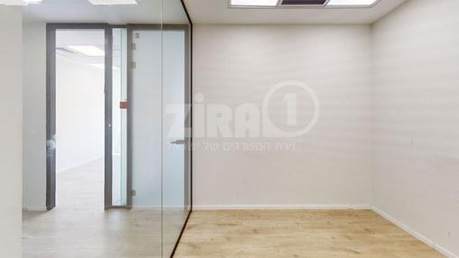משרד בבניין מרכז עזריאלי חולון - בניין B | קומה 1 | שטח nullמ״ר  | תמונה #13 - 1