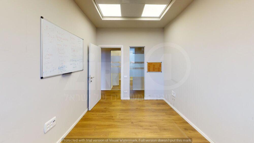 משרד בבניין בית קורקס  | קומה 3 | שטח 190מ״ר  | תמונה #0 - 1