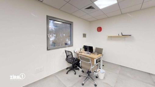 משרד בבניין בניין כלמוביל | קומה 3 | שטח 50מ״ר  | תמונה #10 - 1