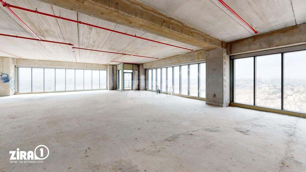 משרד בבניין מגדל הכשרת הישוב  | קומה: 28 | שטח 400 תמונה | מ׳׳ר #11 - 1