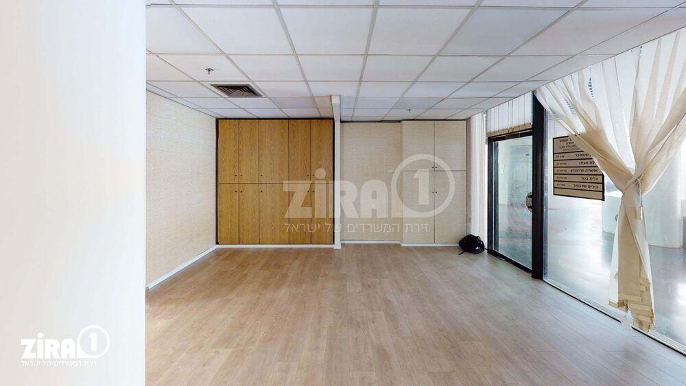 משרד בבניין בית התעשייה | קומה 2 | שטח 101מ״ר  | תמונה #0 - 1