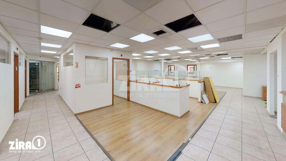 משרד בבניין בית סלע   קומה 2   שטח 590מ״ר    תמונה #0 - 1