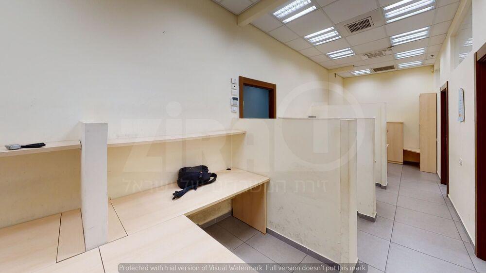 משרד בבניין בית בוני בניין   קומה 1   שטח 105מ״ר    תמונה #0 - 1