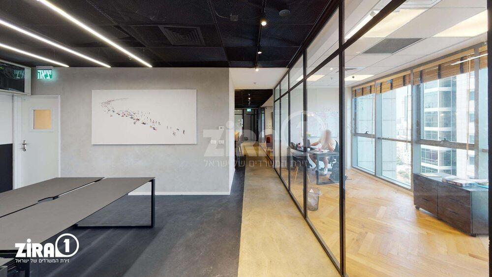 משרד בבניין בסר 2   קומה 15   שטח 240מ״ר    תמונה #0 - 1