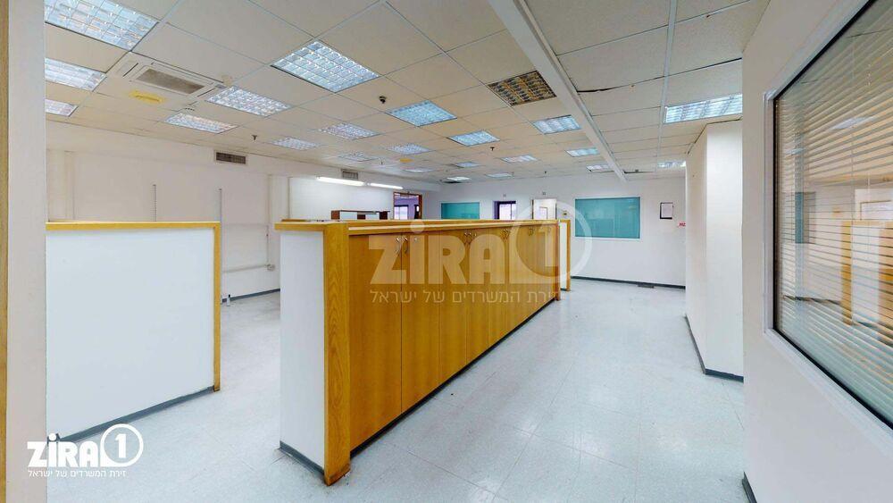 משרד בבניין בניין שלי בעמק | קומה 2 | שטח 1700מ״ר  | תמונה #0 - 1