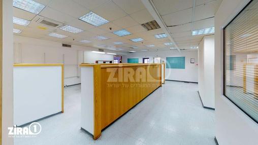 משרד בבניין בניין שלי בעמק | קומה 2 | שטח 1700מ״ר  | תמונה #2 - 1