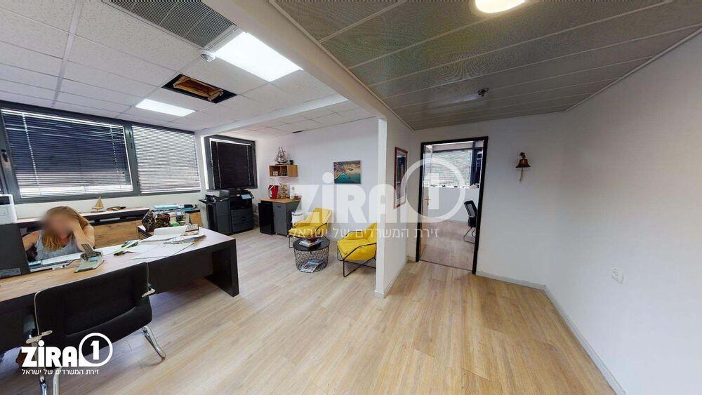 משרד בבניין בית אמיר  | קומה 2 | שטח 120מ״ר  | תמונה #0 - 1