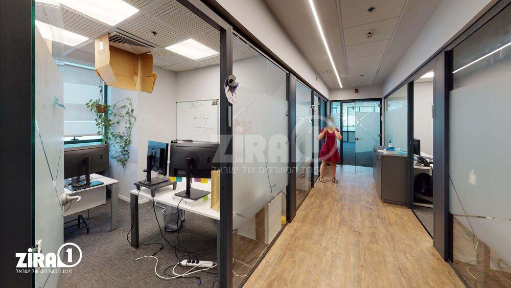 משרד בבניין מגדלי פז- 2   קומה 3   שטח 1028מ״ר    תמונה #0 - 1