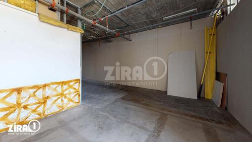 משרד בבניין דרייב אין סנטר    קומה 2   שטח 150מ״ר    תמונה #9 - 1