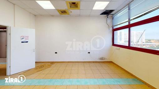משרד בבניין דרייב אין סנטר  | קומה 2 | שטח 650מ״ר  | תמונה #1 - 1