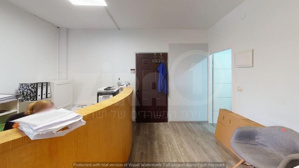 משרד בבניין בית קלאוזנר   קומה 3   שטח 120מ״ר    תמונה #0 - 1