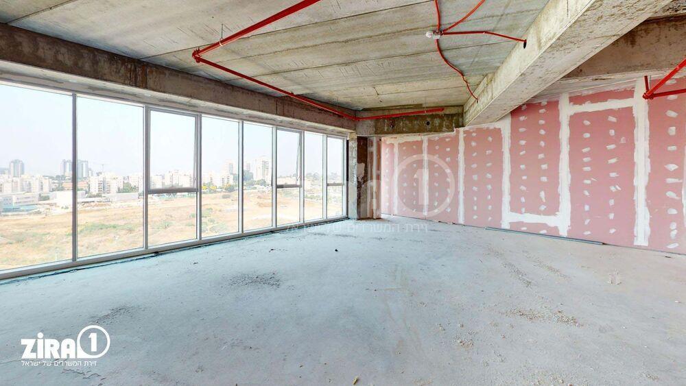 משרד בבניין מגדל הורוביץ -רחובות   קומה 3   שטח 205מ״ר    תמונה #0 - 1