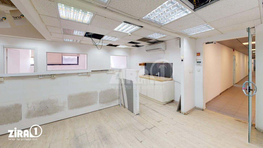 משרד בבניין בית מרדכי נתן | קומה: 2 | שטח 140 תמונה | מ׳׳ר #0 - 51