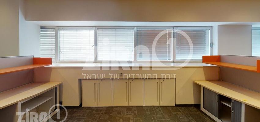 משרד בבניין בית מוטורולה   קומה 4   שטח 1785מ״ר    תמונה #0 - 1