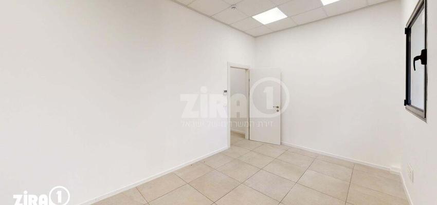 משרד בבניין בניין קורן 2 | קומה 4 | שטח 50מ״ר  | תמונה #0 - 1