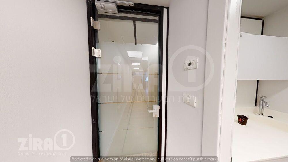 משרד בבניין מרכז הטקסטיל והאופנה | קומה 7 | שטח 55מ״ר  | תמונה #0 - 1