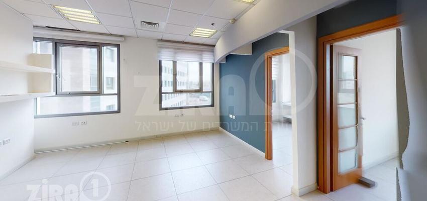 משרד בבניין בית גולן   קומה 2   שטח 98מ״ר    תמונה #0 - 1