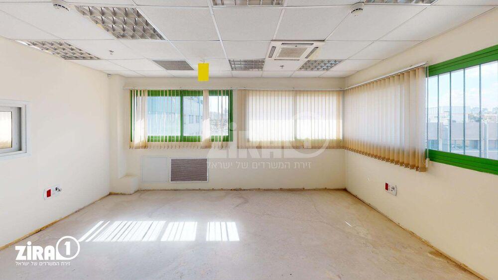 משרד בבניין בית דניאל | קומה 2 | שטח 166מ״ר  | תמונה #0 - 1