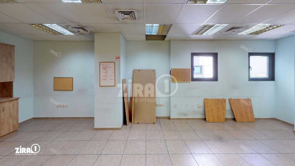 משרד בבניין מגדל UMI | קומה 10 | שטח 159מ״ר  | תמונה #0 - 1