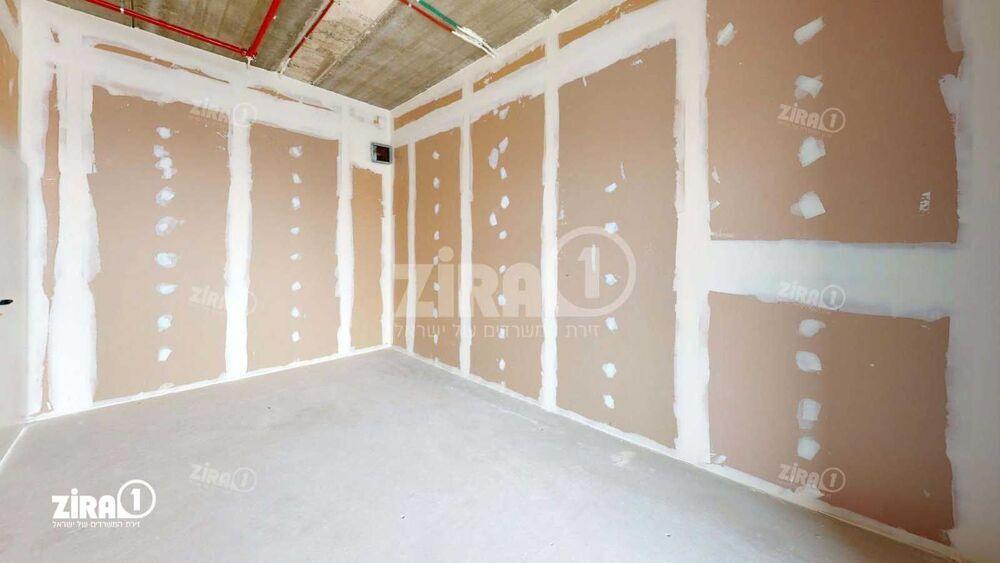 משרד בבניין בית ירון מילר   קומה 4   שטח 184מ״ר    תמונה #0 - 1