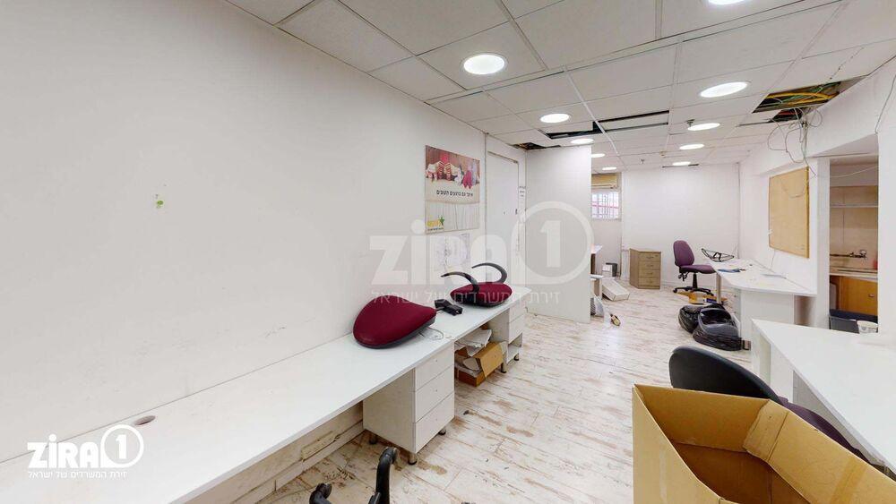 משרד בבניין ראשון ביזנס סנטר | קומה 1 | שטח 115מ״ר  | תמונה #0 - 1