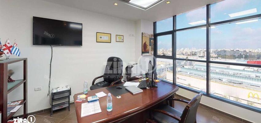 משרד בבניין מגדל UMI | קומה 9 | שטח 54מ״ר  | תמונה #0 - 1