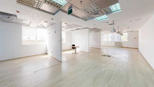 משרד בבניין המצודה 31   קומה 2   שטח 300מ״ר    תמונה #1 - 1