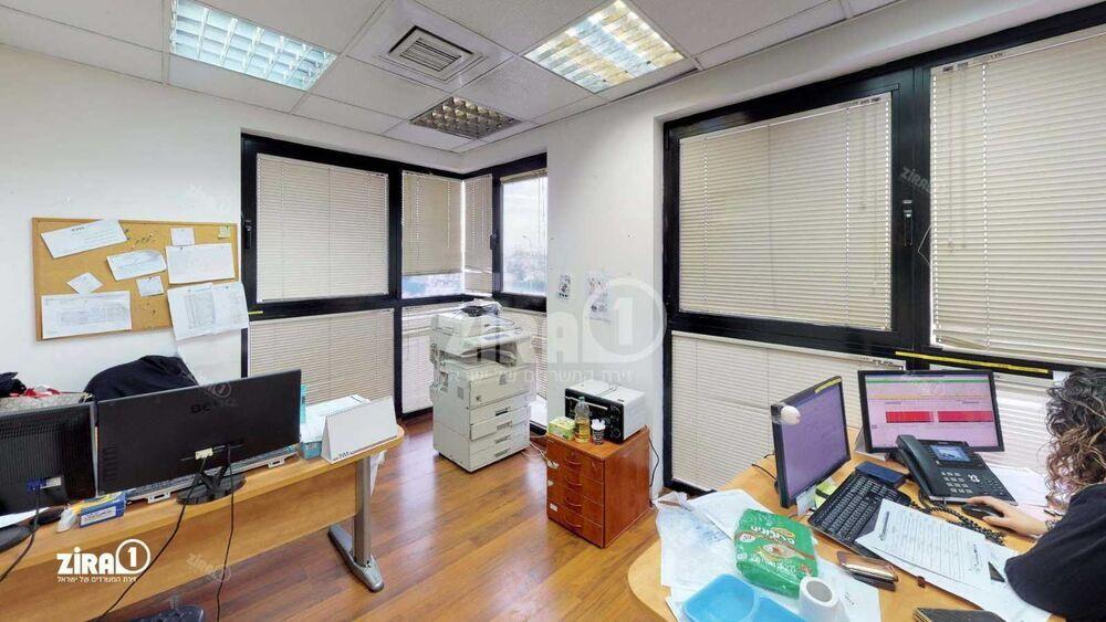 משרד בבניין בית T&M   קומה 3   שטח 260מ״ר    תמונה #0 - 1