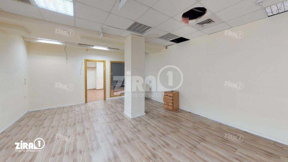 משרד בבניין בית אשבד | קומה: 2 | שטח 450 תמונה | מ׳׳ר #23 - 1