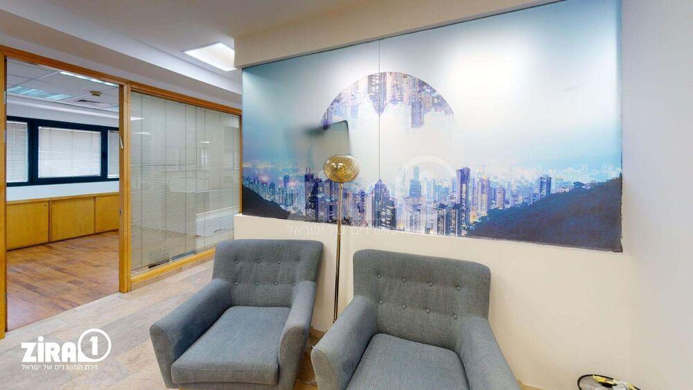 משרד בבניין הרכב 1   קומה: 2   שטח 464 תמונה   מ׳׳ר #9 - 1