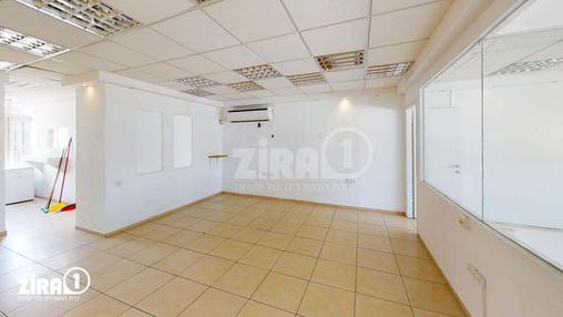 משרד בבניין יצחק שדה 34 | קומה 4 | שטח 100מ״ר  | תמונה #8 - 1