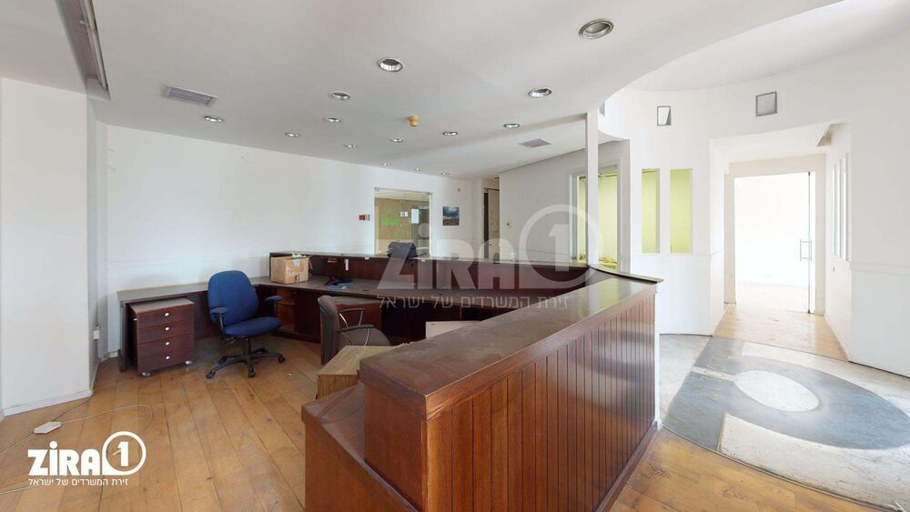 משרד בבניין בית תעוז   קומה 5   שטח 180מ״ר    תמונה #0 - 1