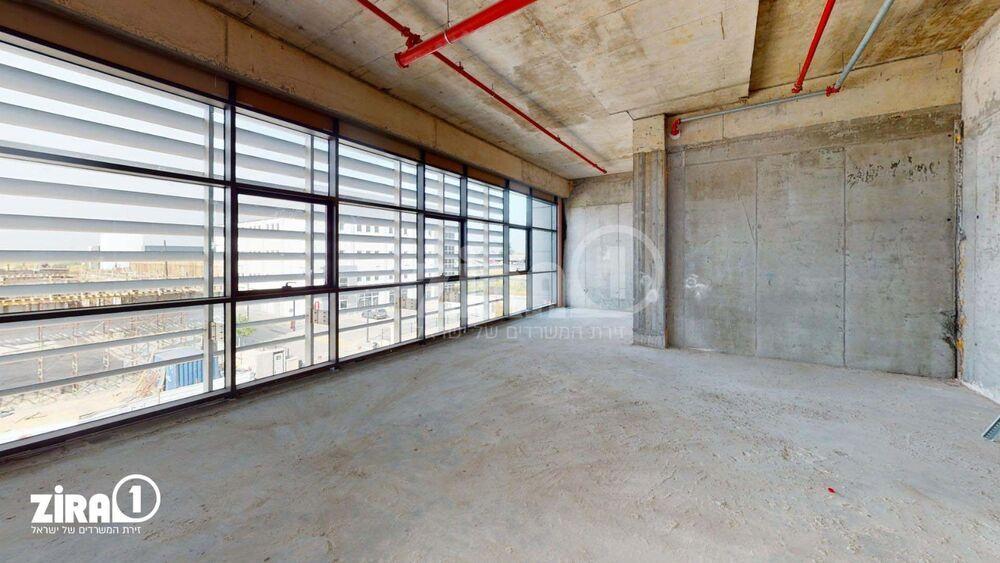 משרד בבניין בית פלורמא | קומה: 2 | שטח 500 תמונה | מ׳׳ר #18 - 1
