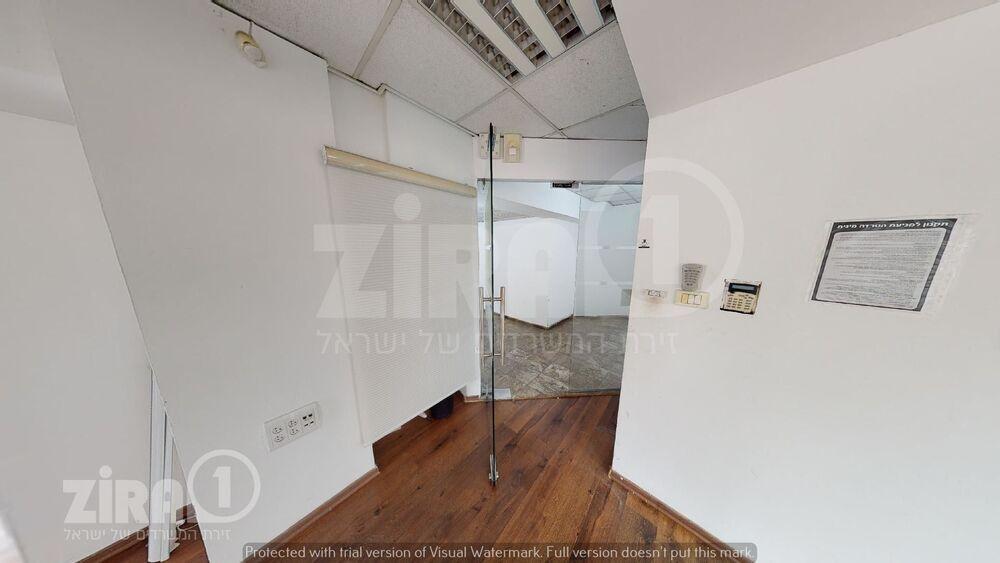 משרד בבניין שדרות יהודית 35 | קומה 1 | שטח 160מ״ר  | תמונה #0 - 1